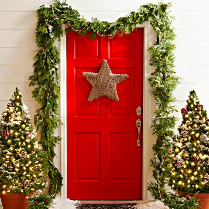 Входная дверь в Рождество