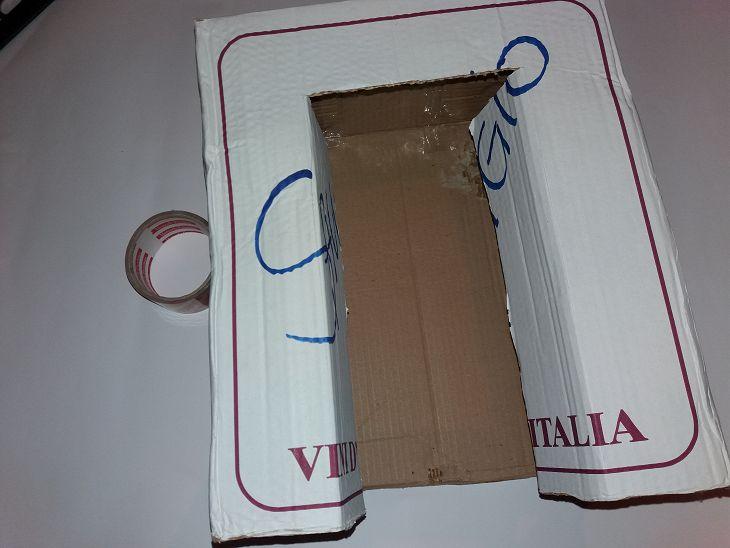 vyrezaem-po-shablonu Сделать декоративный камин из картона своими руками
